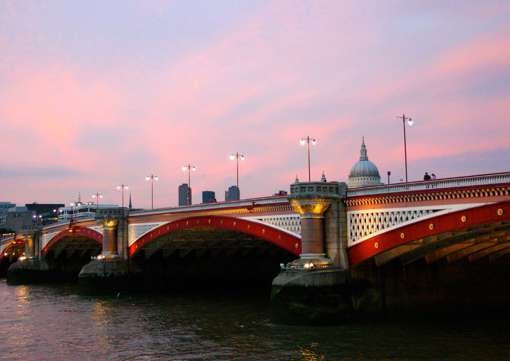 Picture of a London bridge