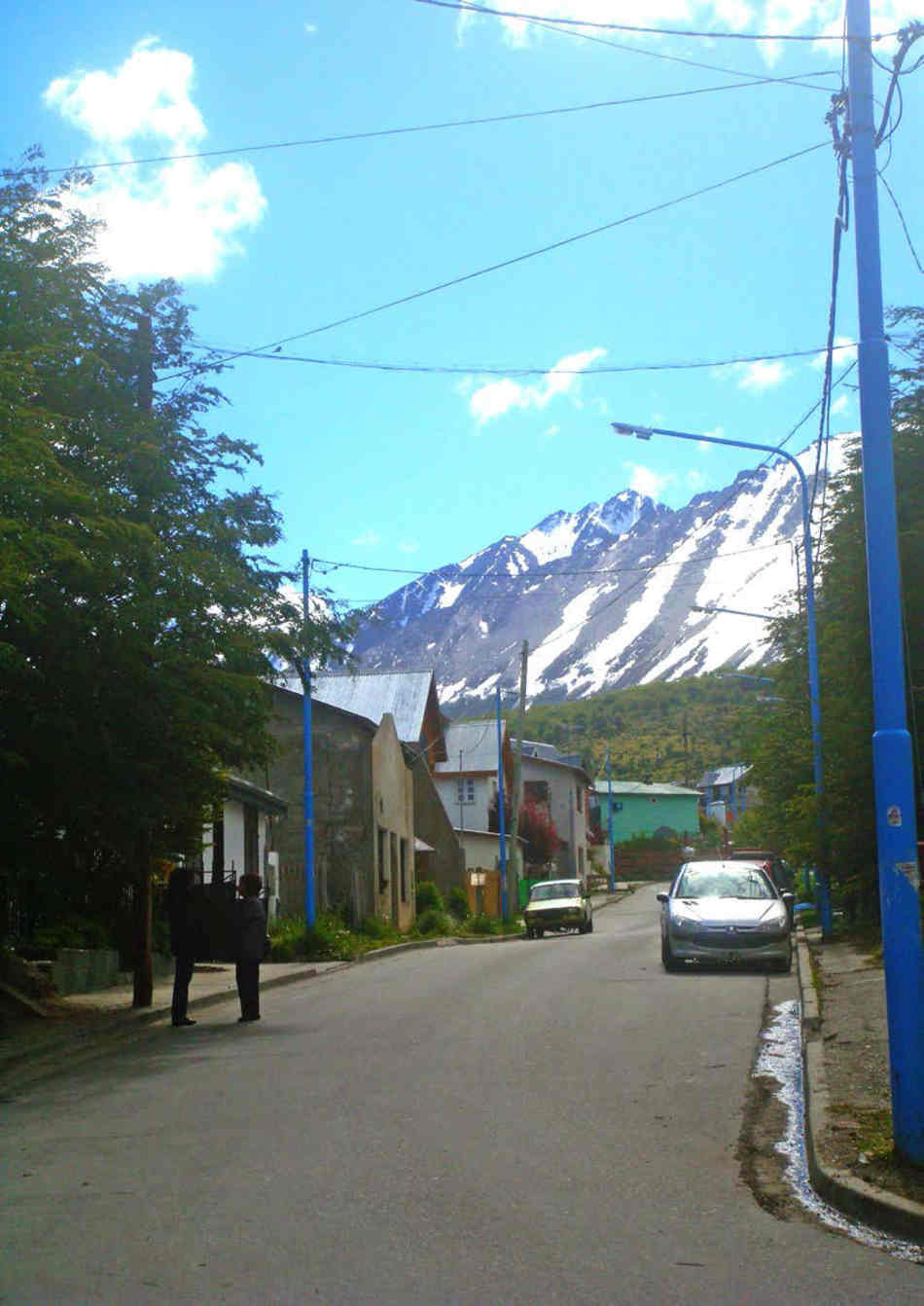Argentinian street with moundtains in the background